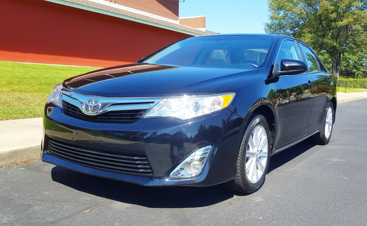 2014 toyota camry xle the automotive advisor. Black Bedroom Furniture Sets. Home Design Ideas